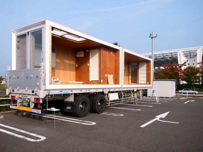 Перевозка дома из контейнеров