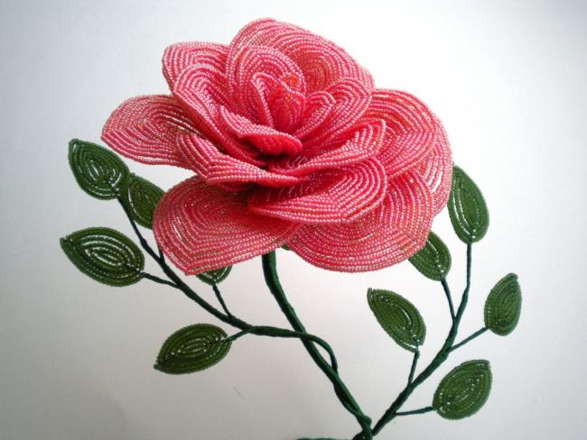 Великолепная красная роза своими руками