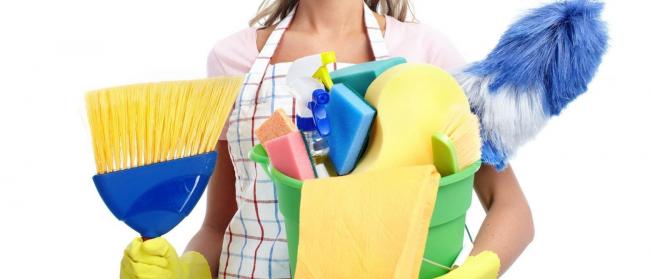 Перед каждой уборкой необходимо запастись инструментами и моющими средствами