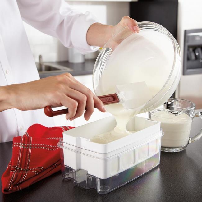 Если придерживаться рецепта, то у вас получится очень вкусный и густой йогурт