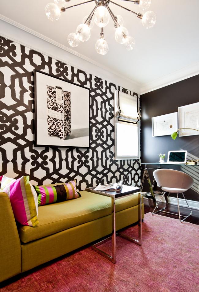 Кровать-тахта горчичного цвета в интерьере, оформленном в стиле ар-деко