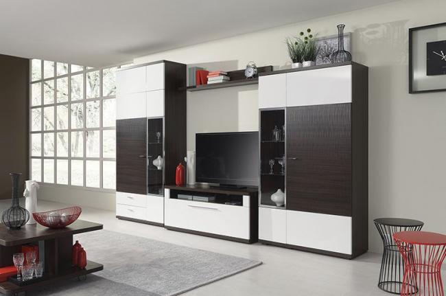"""На замену советским """"стенка"""" приходит менее массивная, но более практичная мебель для гостиных комнат"""