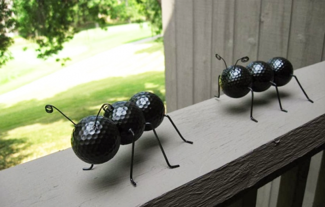 Забавные муравьи из мячей для гольфа и проволоки