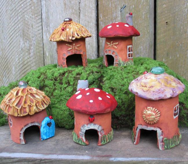 Декор для сада домик своими руками