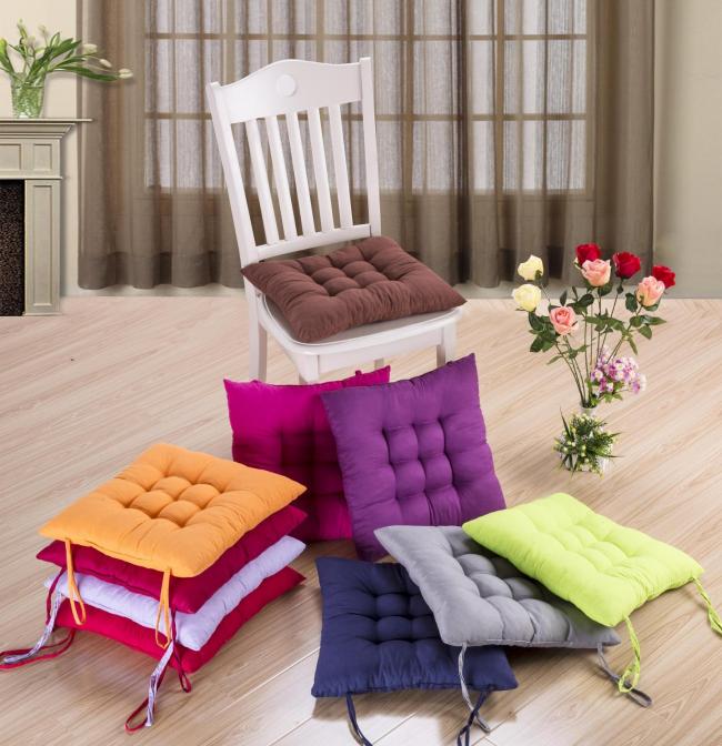 Существует множество вариантов подушек. Некоторые имеют весьма прагматичный функционал - удобство и комфорт пользователя