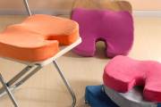 Фото 25 Подушки для сидения на стуле: все тонкости выбора идеальной ортопедической и декоративной подушки