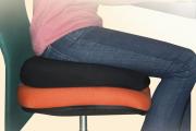 Фото 27 Подушки для сидения на стуле: все тонкости выбора идеальной ортопедической и декоративной подушки