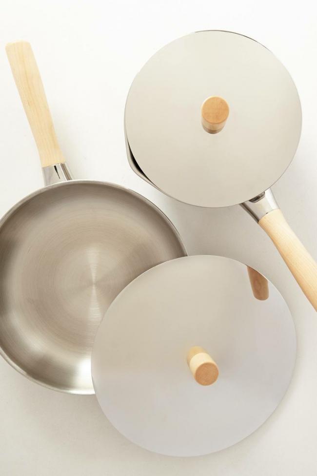 На дне посуды, предназначенной для стеклокерамических поверхностей есть определенный знак