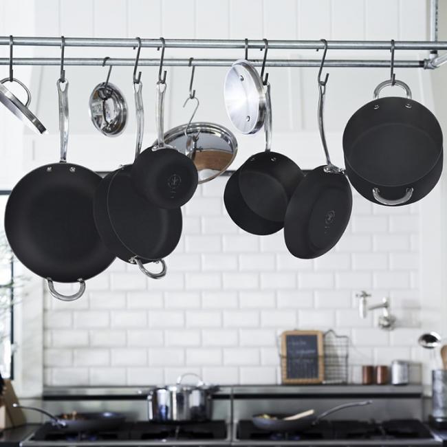 Темное матовое дно посуды обеспечит оптимальную передачу тепла