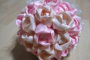 Фото 10 Цветы из атласных лент: пошаговые инструкции и мастер-классы по созданию букетов, топиариев и обручей