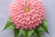 Фото 14 Цветы из атласных лент: пошаговые инструкции и мастер-классы по созданию букетов, топиариев и обручей