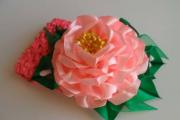 Фото 18 Цветы из атласных лент: пошаговые инструкции и мастер-классы по созданию букетов, топиариев и обручей