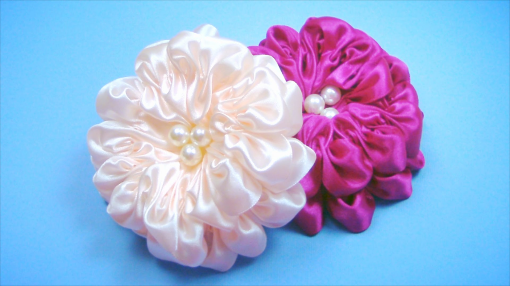 Бантик цветок из атласной ленты своими руками