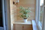 Фото 40 Шкаф на балкон: нюансы подбора и обзор максимально функциональных вариантов