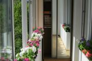 Фото 37 Шкаф на балкон: нюансы подбора и обзор максимально функциональных вариантов