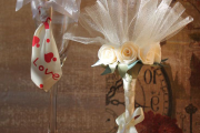 Фото 6 Декор свадебных бокалов: избранные мастер-классы и трендовые идеи оформления в 2019 году