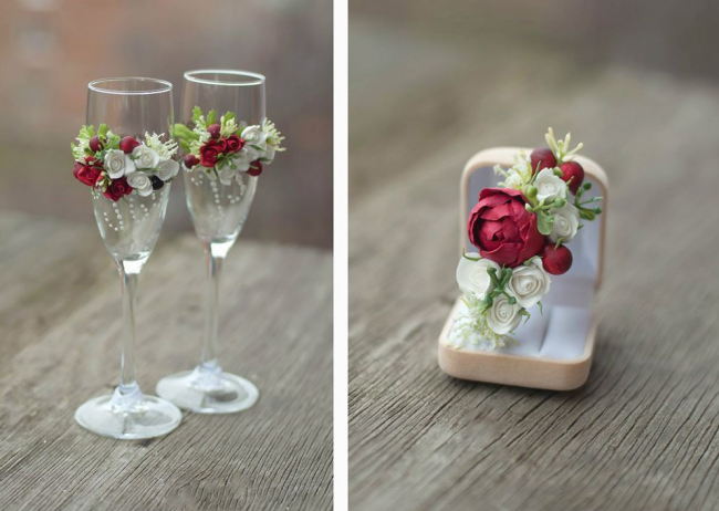 Бокалы на свадьбу: фото - Бокалы и бутоньерка жениха оформлены в одном стиле