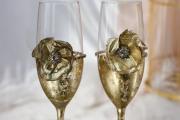 Фото 12 Декор свадебных бокалов: избранные мастер-классы и трендовые идеи оформления в 2018 году