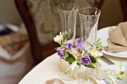 Фото 13 Декор свадебных бокалов: избранные мастер-классы и трендовые идеи оформления в 2018 году
