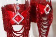 Фото 38 Декор свадебных бокалов: избранные мастер-классы и трендовые идеи оформления в 2018 году