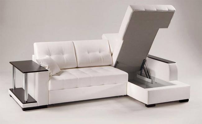 Удобная оттоманка внутри дивана для белья