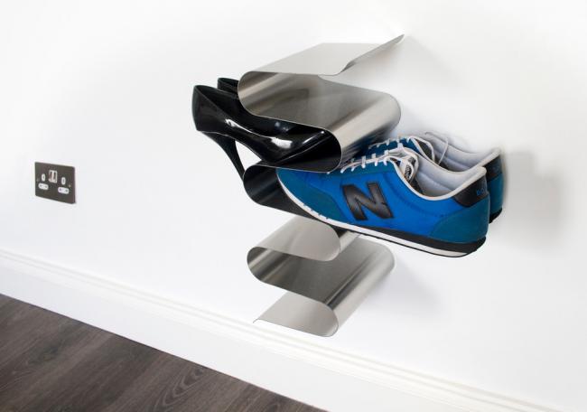 Металлическая обувница оригинальной конструкции