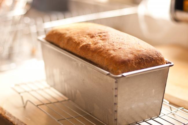 Благодаря хлебопечке у вас дома на столе всегда будет свежий и ароматный хлеб