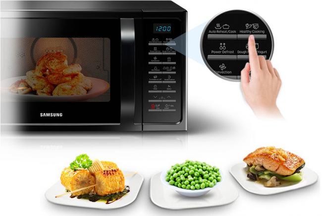 Современная модель Samsung позволяет эффективно разогреть пищу, а так же готовить блюда из кулинарной книги