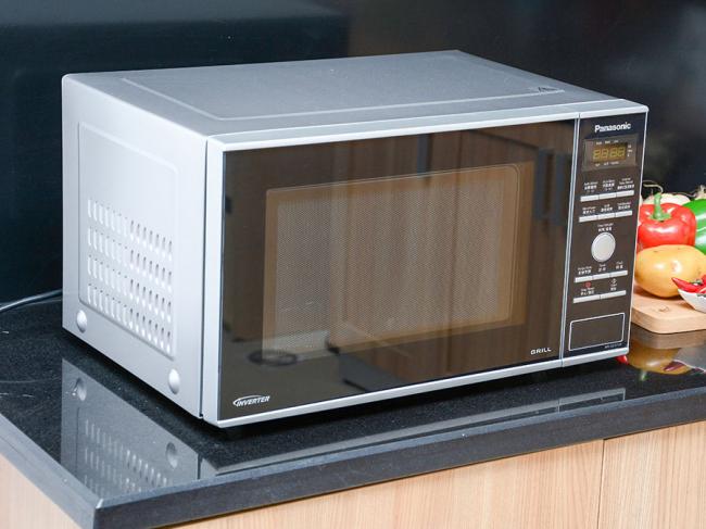 Инверторная микроволновая печь с грилем и конвекцией