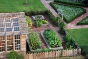 Фото 14 Ограждения для клумб и грядок: 70+ роскошных идей, которые преобразят ваш сад