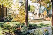 Фото 23 Ограждения для клумб и грядок: 70+ роскошных идей, которые преобразят ваш сад
