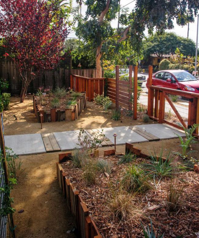 Ограждение из деревянной доски - экологичное и природное украшение вашего участка
