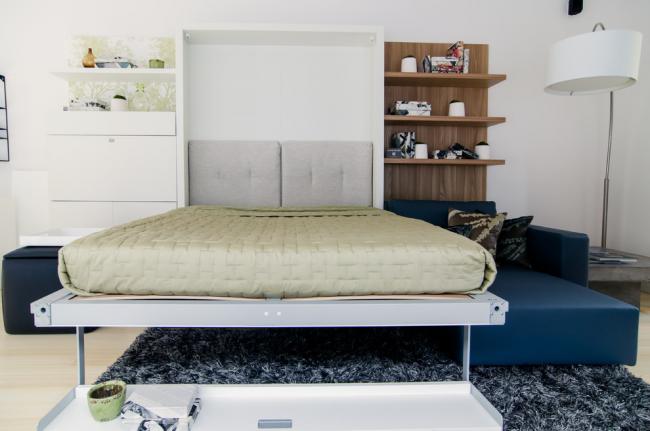 Шкаф-кровать с откидным механизмом отлично подойдет для интерьера в стиле минимализм