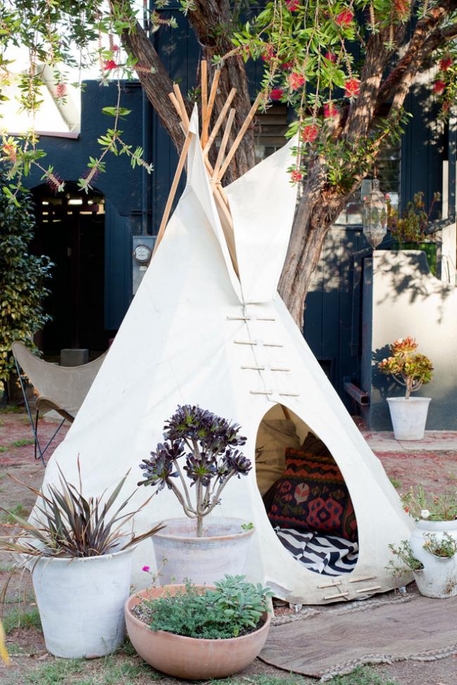 Детский домик в виде шалаша послужит отличным местом отдыха для вашего ребенка