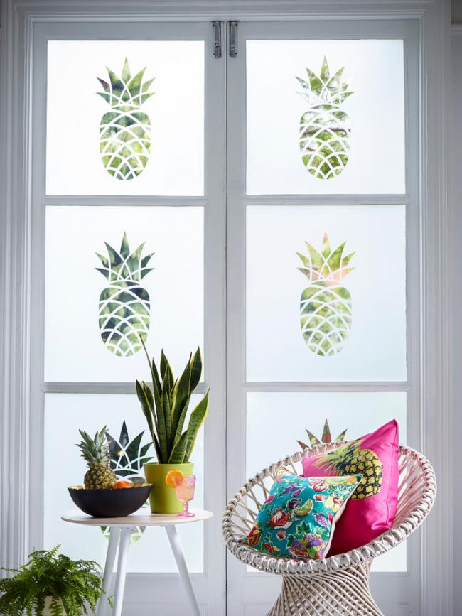 Полимерная витражная плёнка поможет при декоре вашего интерьера