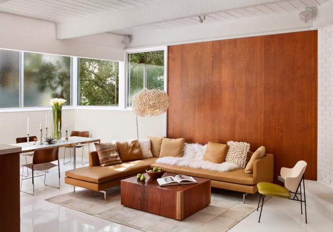 Модернизм в интерьере гостиной частного дома