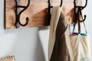 Фото 19 Выбор аристократа — кованые прихожие: 75+ стильных вешалок, обувниц и банкеток для элегантных интерьеров