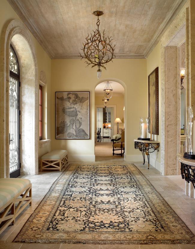 Кованые прихожие в интерьере: 70 аристократичных вариантов