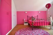 Фото 18 Фуксия, фрез и земляничный: 70+ трендовых расцветок обоев в розовой гамме