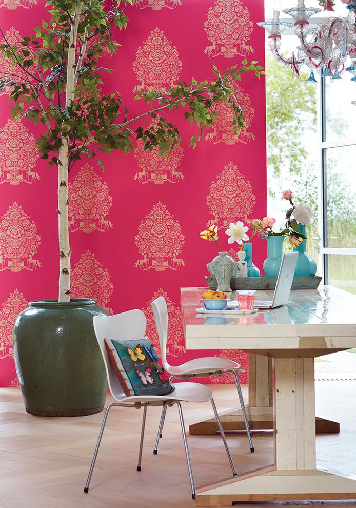 Розовые обои в интерьере: 70 роскошных идей в нежных оттенках