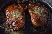 Фото 6 Верная помощница для каждой хозяйки: выбираем лучшую чугунную сковороду-гриль