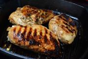 Фото 20 Верная помощница для каждой хозяйки: выбираем лучшую чугунную сковороду-гриль с крышкой