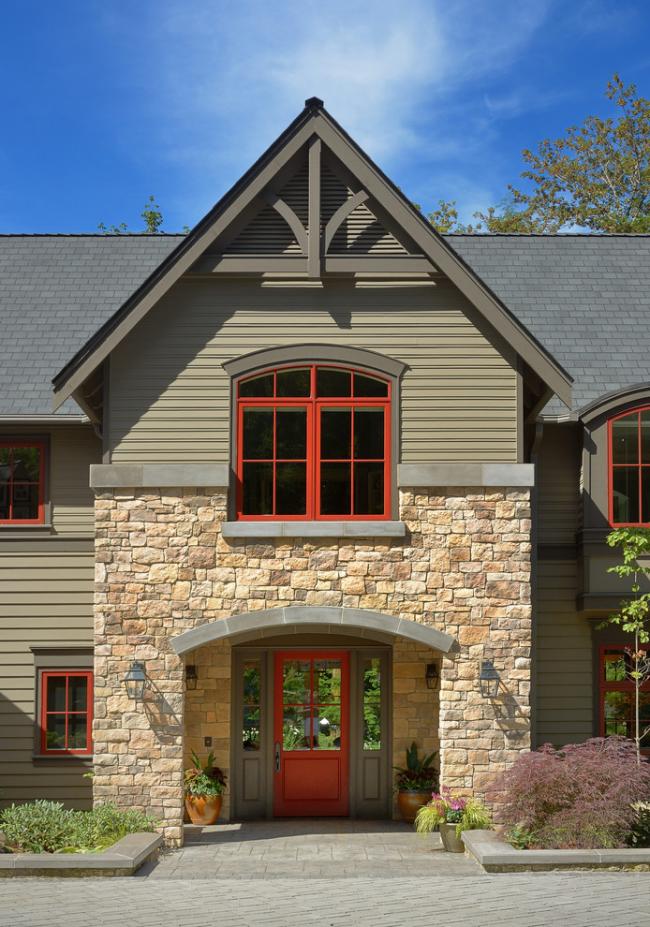 Красные оконные рамы придадут контраста дизайну здания