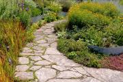 Фото 7 Садовые дорожки без проблем: что нужно знать и как выбрать нужную форму для заливки?