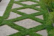 Фото 11 Садовые дорожки без проблем: что нужно знать и как выбрать нужную форму для заливки?