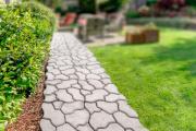 Фото 30 Садовые дорожки без проблем: что нужно знать и как выбрать нужную форму для заливки?