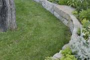 Фото 21 Клумбы из камней для сада: лучшие идеи и советы по декору от ландшафтных дизайнеров