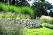 Фото 3 Клумбы из камней для сада: лучшие идеи и советы по декору от ландшафтных дизайнеров