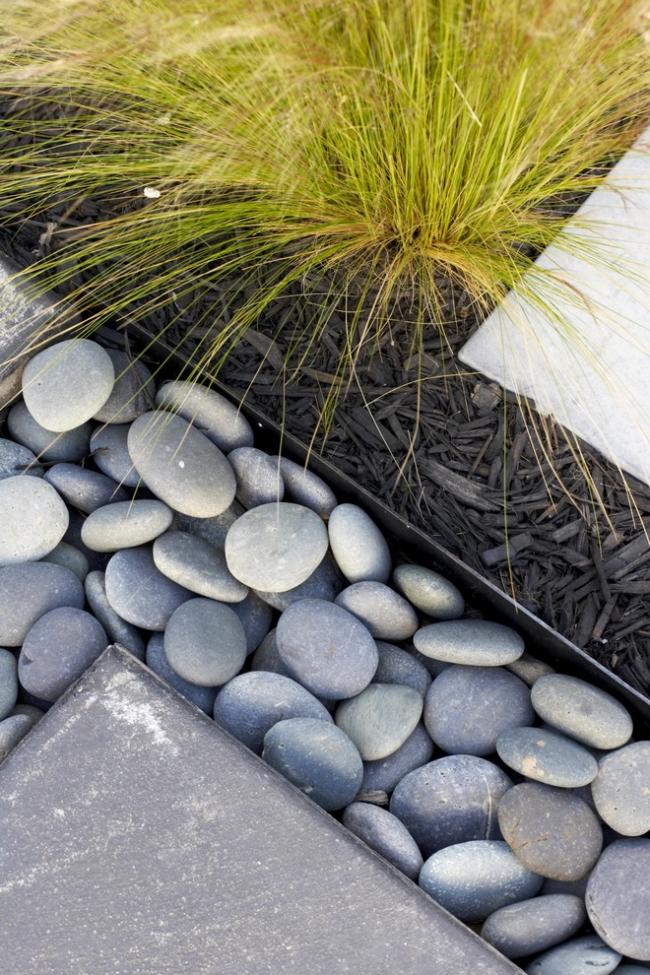 Галька поможет дизайн вашего сада сделать неотразимым