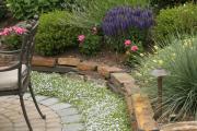 Фото 11 Клумбы из камней для сада: лучшие идеи и советы по декору от ландшафтных дизайнеров